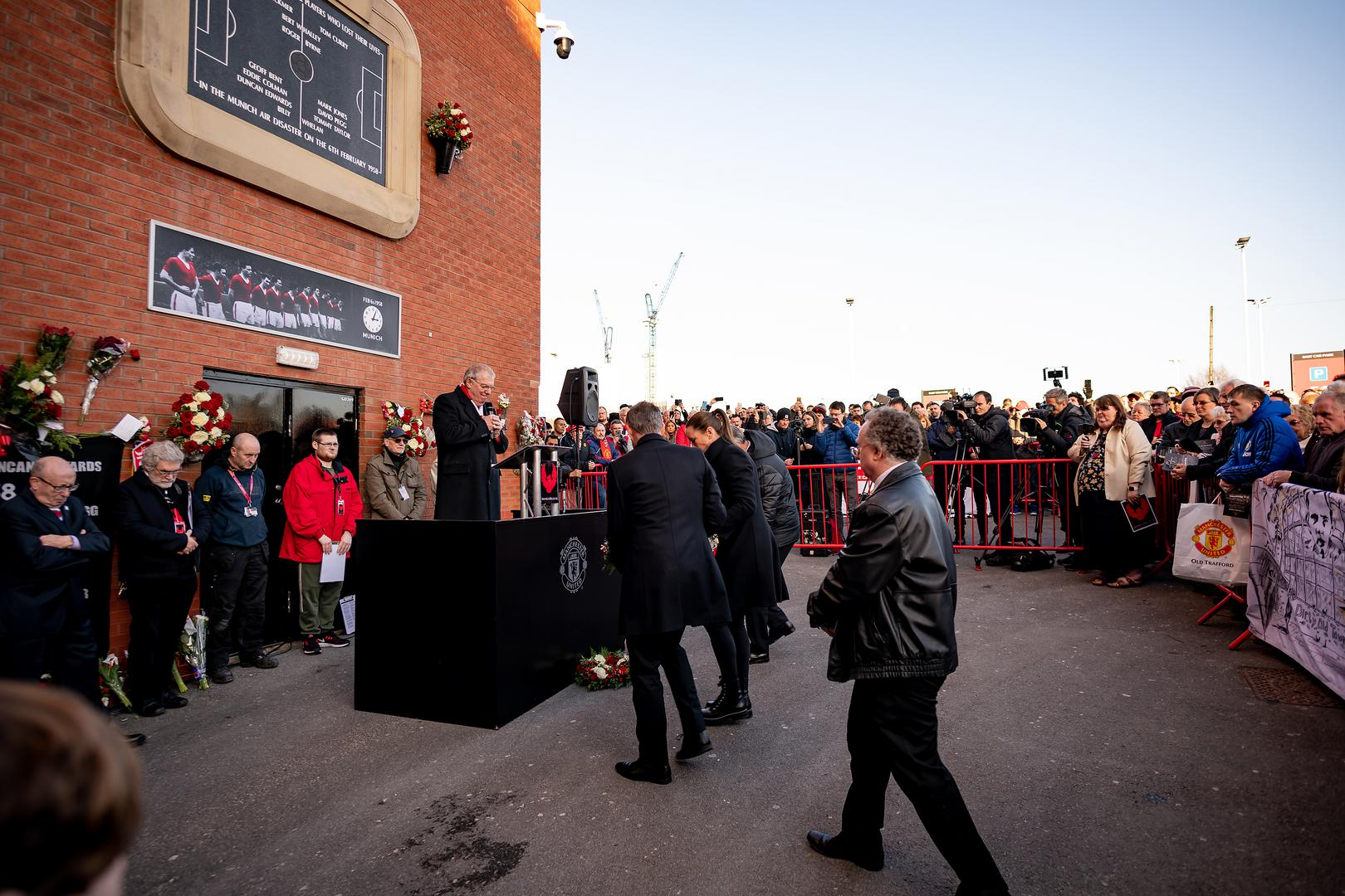 Ole Gunnar Solskjaer Casey Stoney and Bryan Robson lay wreaths at the Munich plaque at Old Trafford