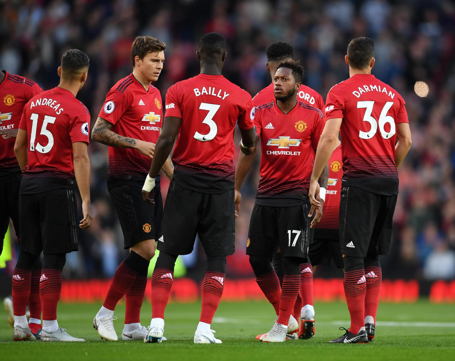 United players including Pereira, Lindelof, Bailly. Fred and Darmian get ready for a game at Old Trafford