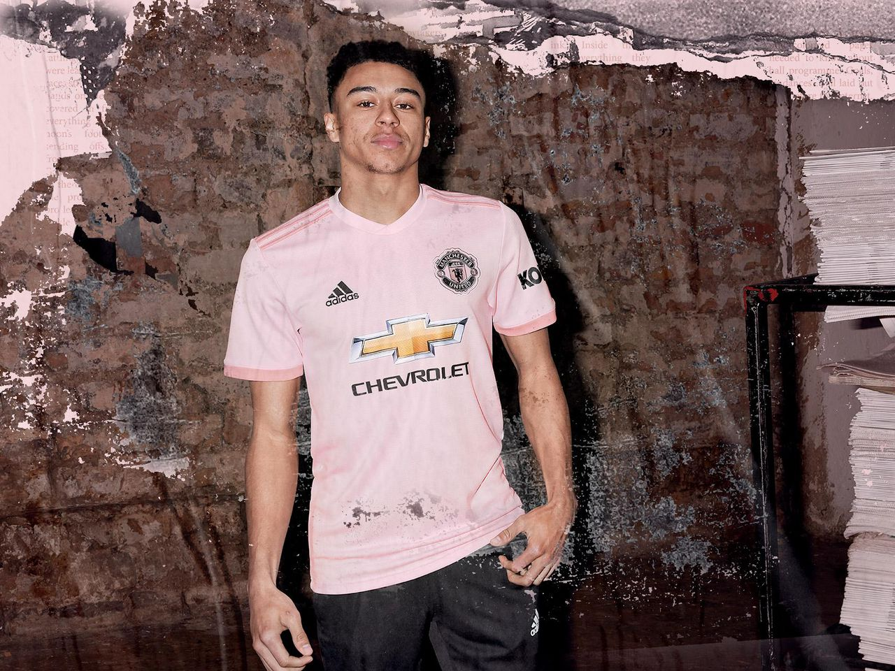 adidas pink 2018 19 away kit for manchester united is now on sale manchester united adidas pink 2018 19 away kit for