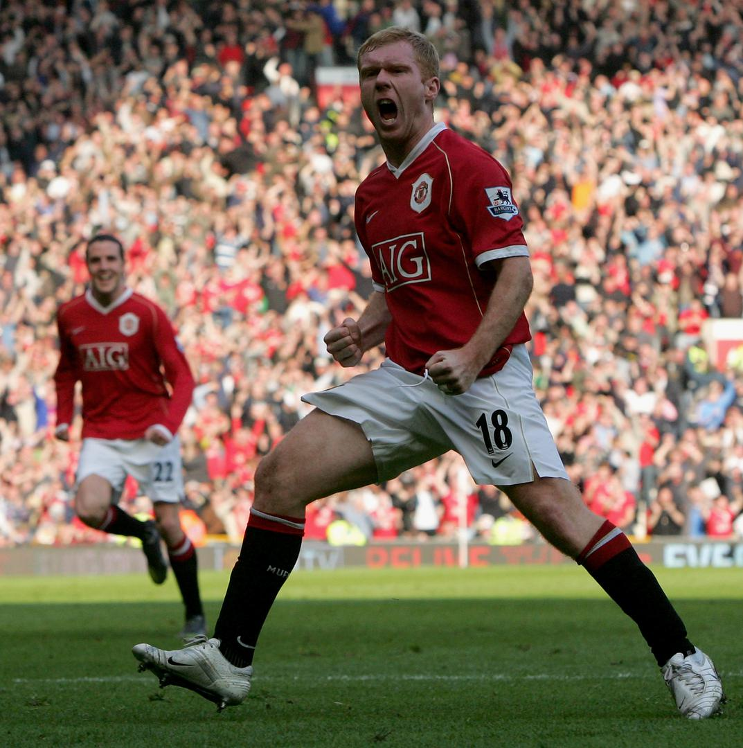 Paul Scholes scores against Blackburn Rovers in 2007