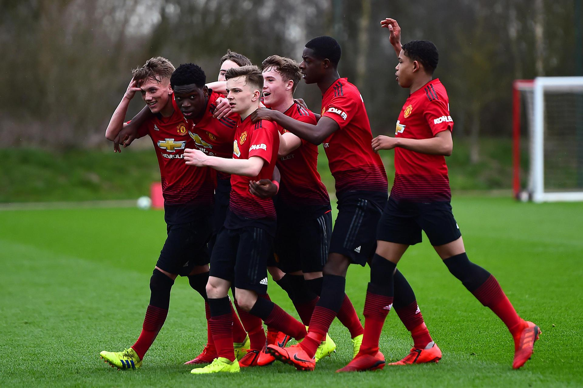United celebrate our second goal.
