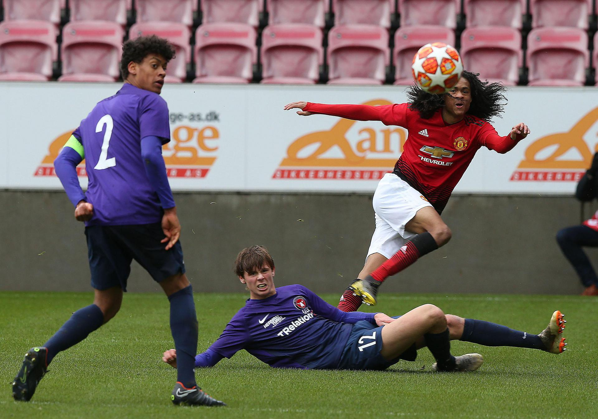 Tahith Chong gets in a cross.