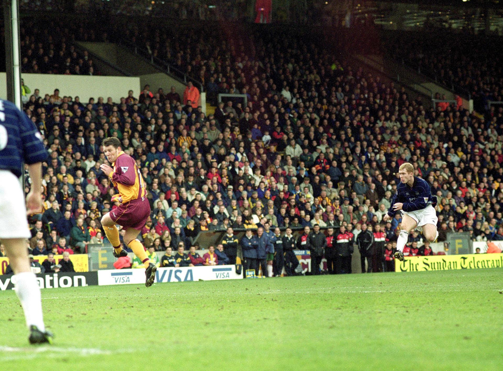 Paul Scholes contre Bradford City.