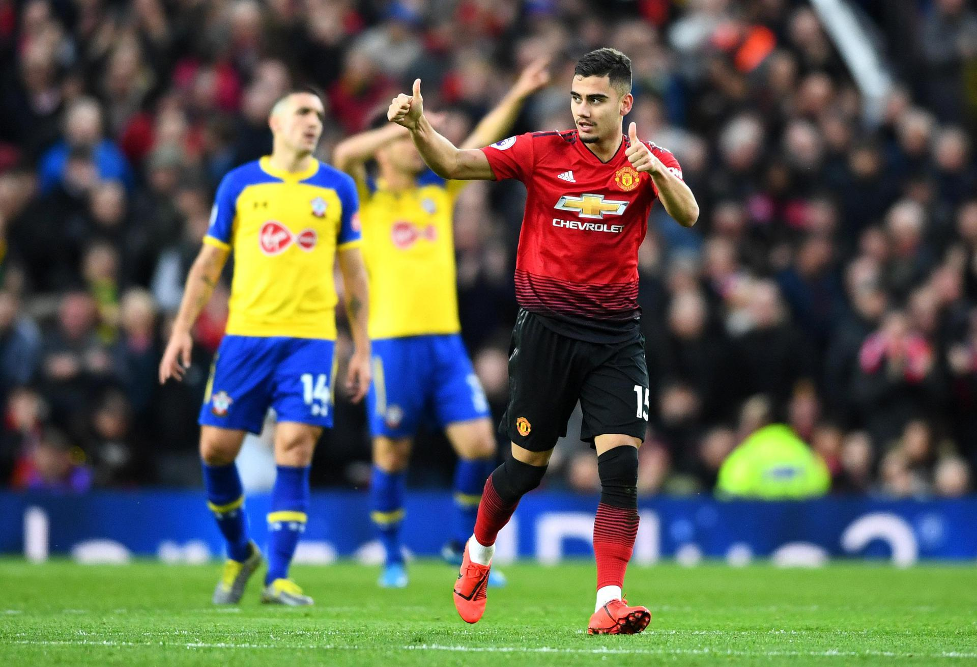 Andreas Pereira celebrates after scoring against Southampton at Old Trafford。
