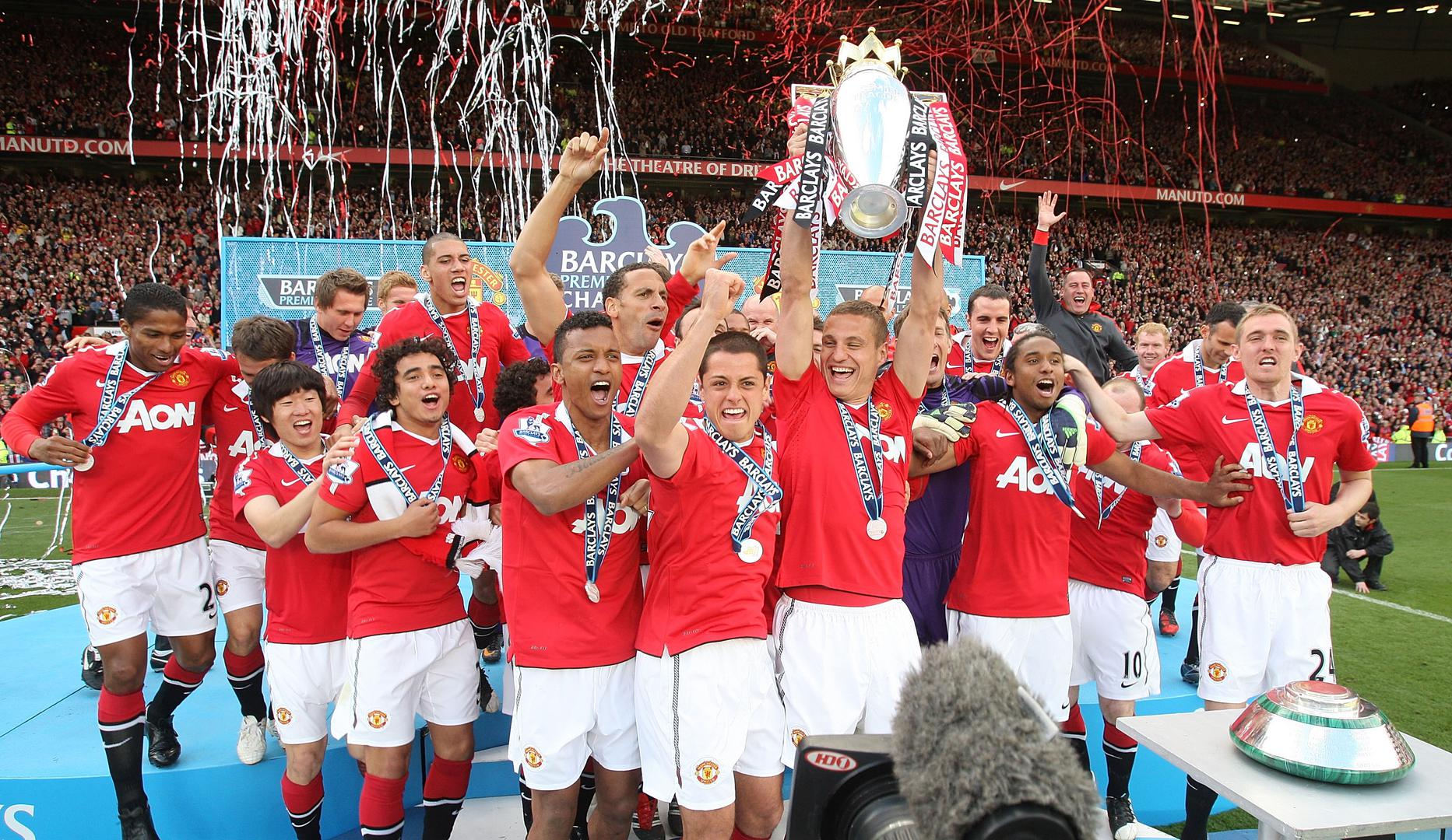 Man Utd lift the Premier League title in 2011