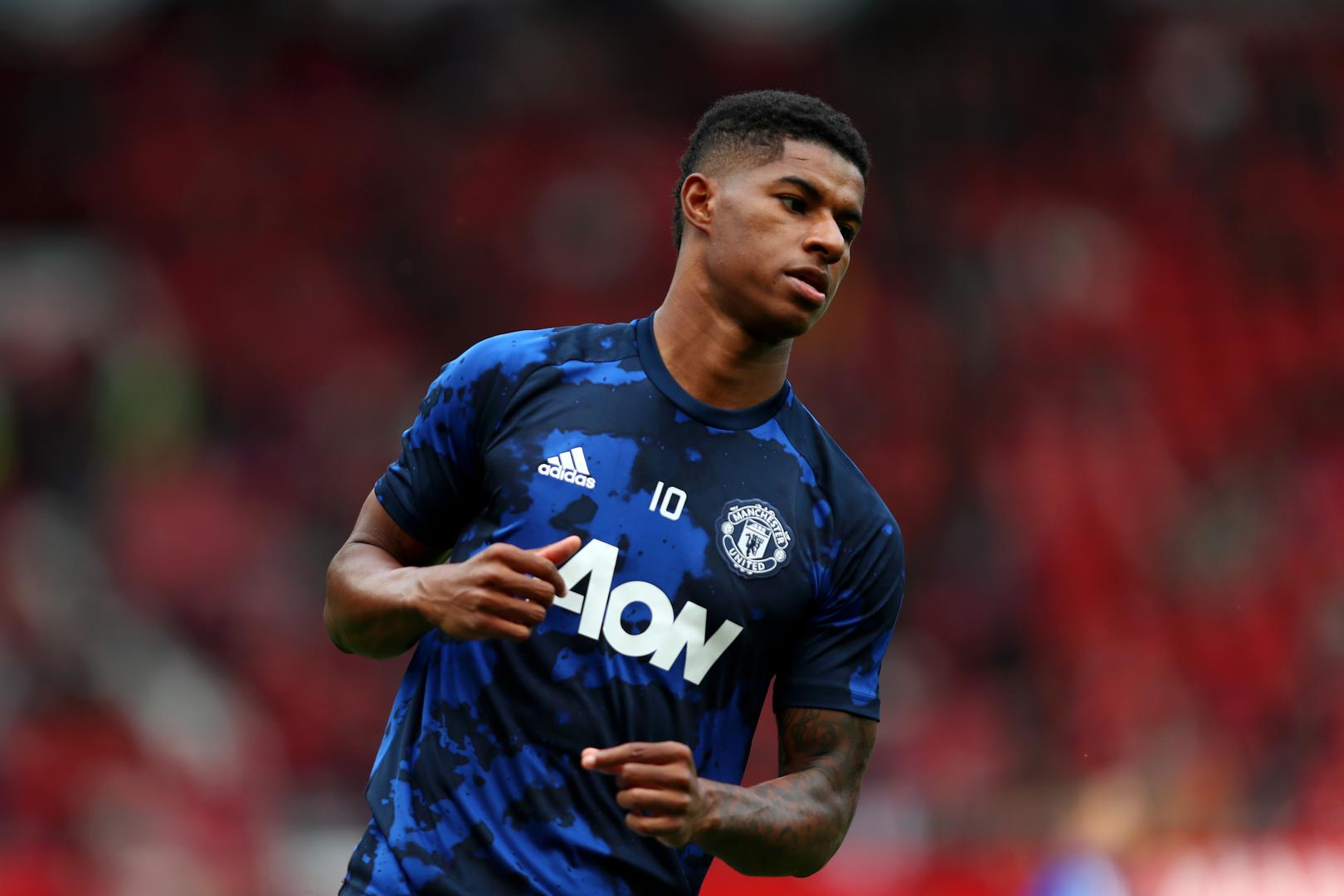 Marcus Rashford warmin@g up before a Premier League game