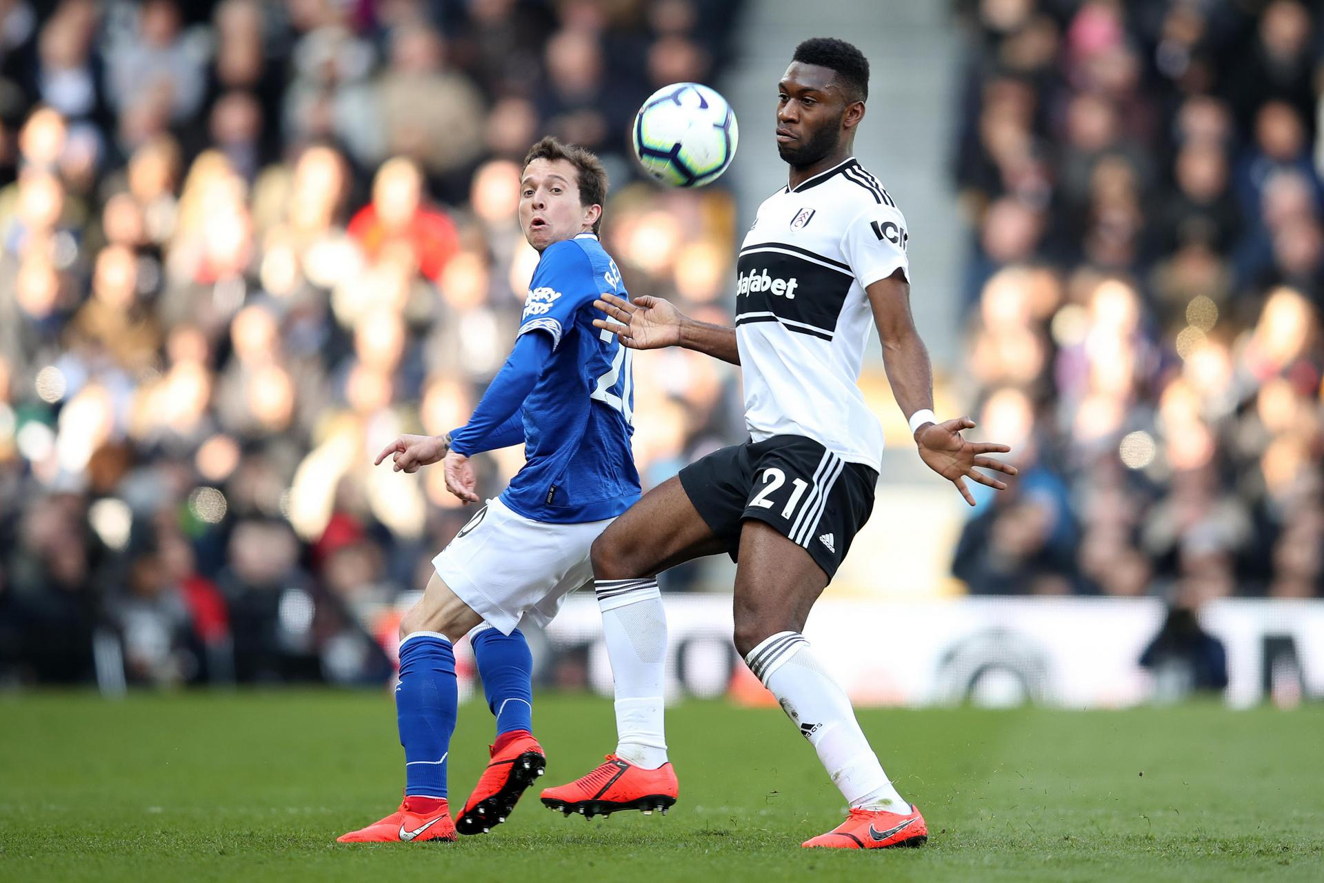 Tim Fosu-Mensah in action for Fulham.