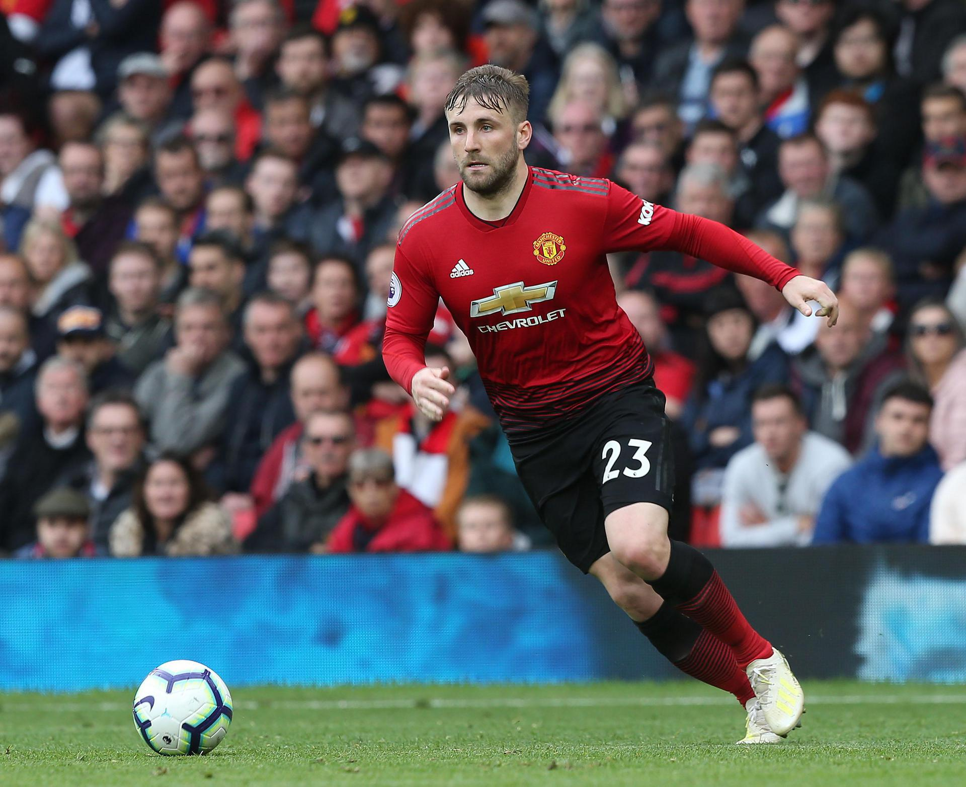 Luke Shaw on the attack against Chelsea