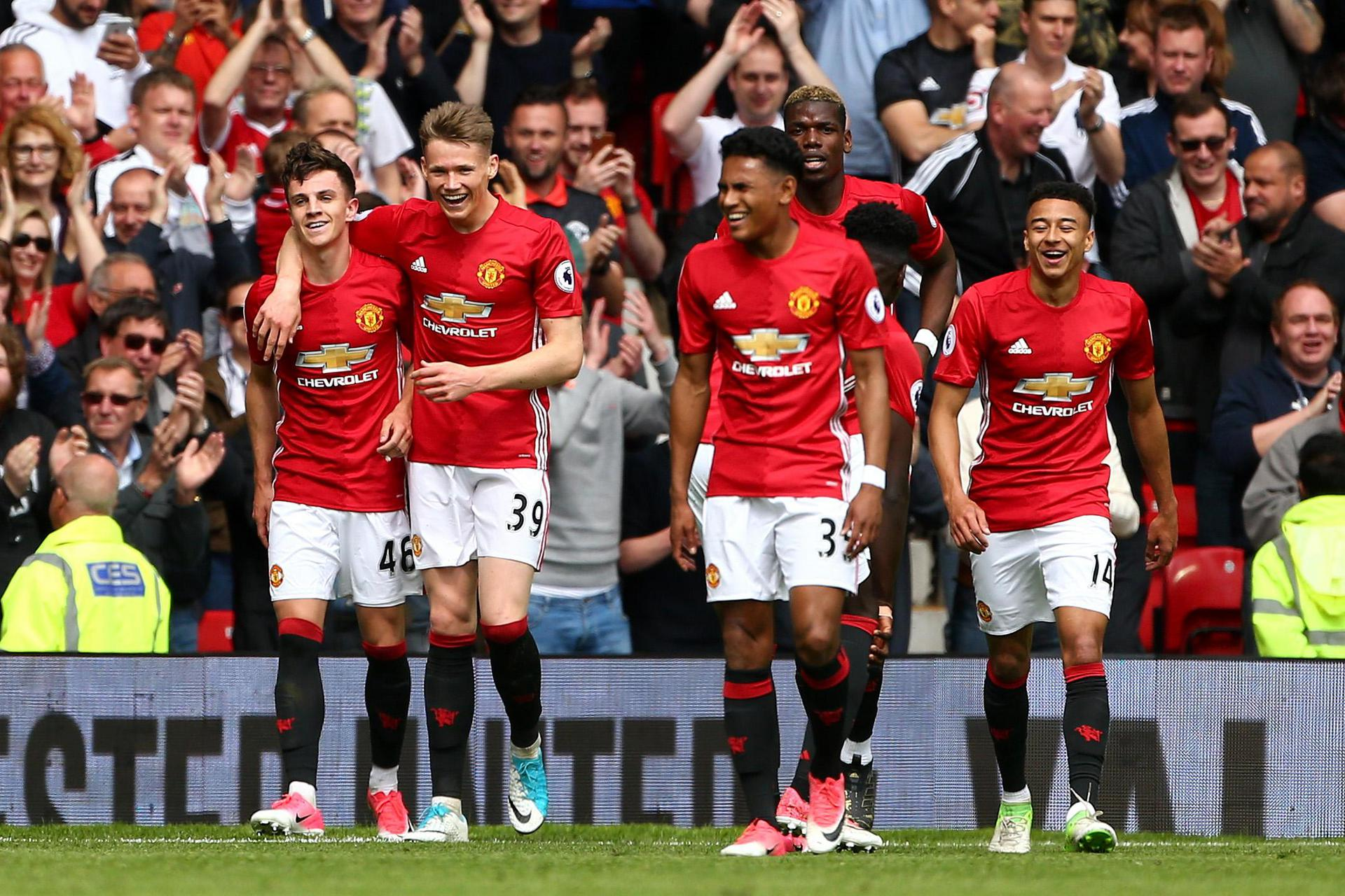 United celebrate a goal against Crystal Palace in 2017.
