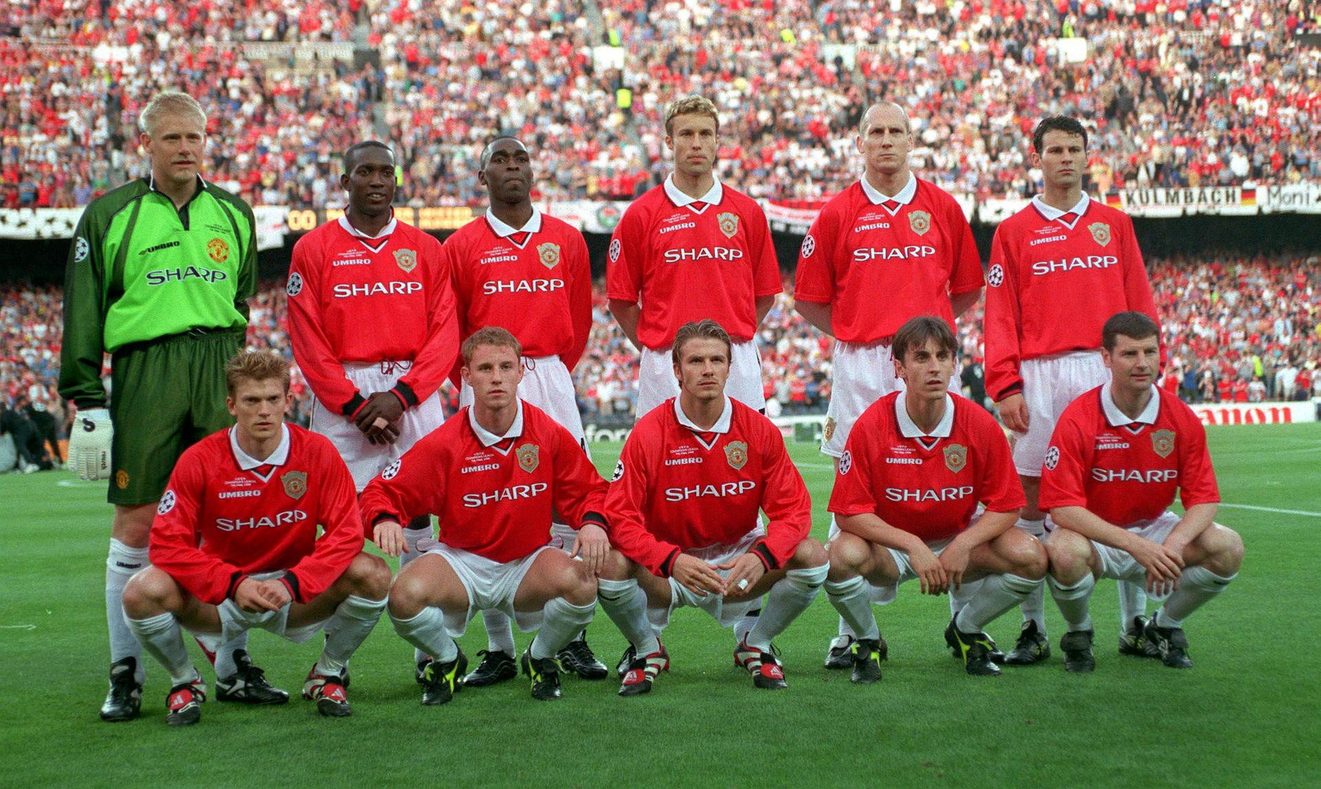 United line-up against Bayern Munich in the 1999 Champions League final,
