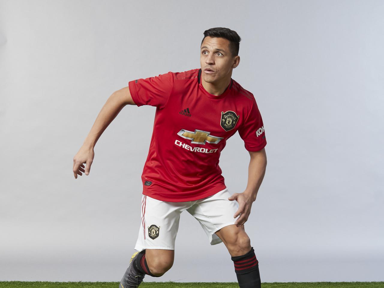 Solskjaer injury update on Man Utd forward Alexis Sanchez ...