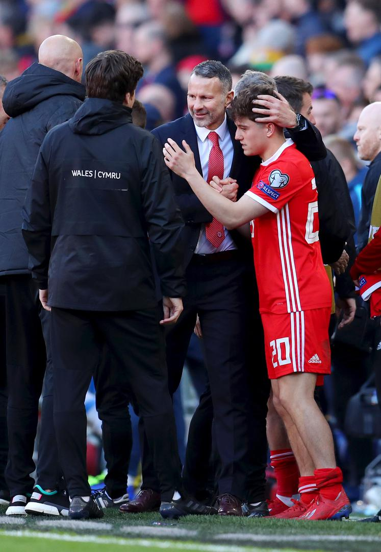 Ryan Giggs with Daniel James.