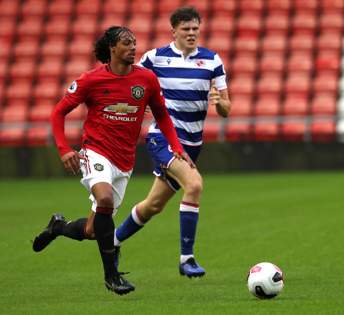 D'Mani Mellor on the ball against Reading Under-23s