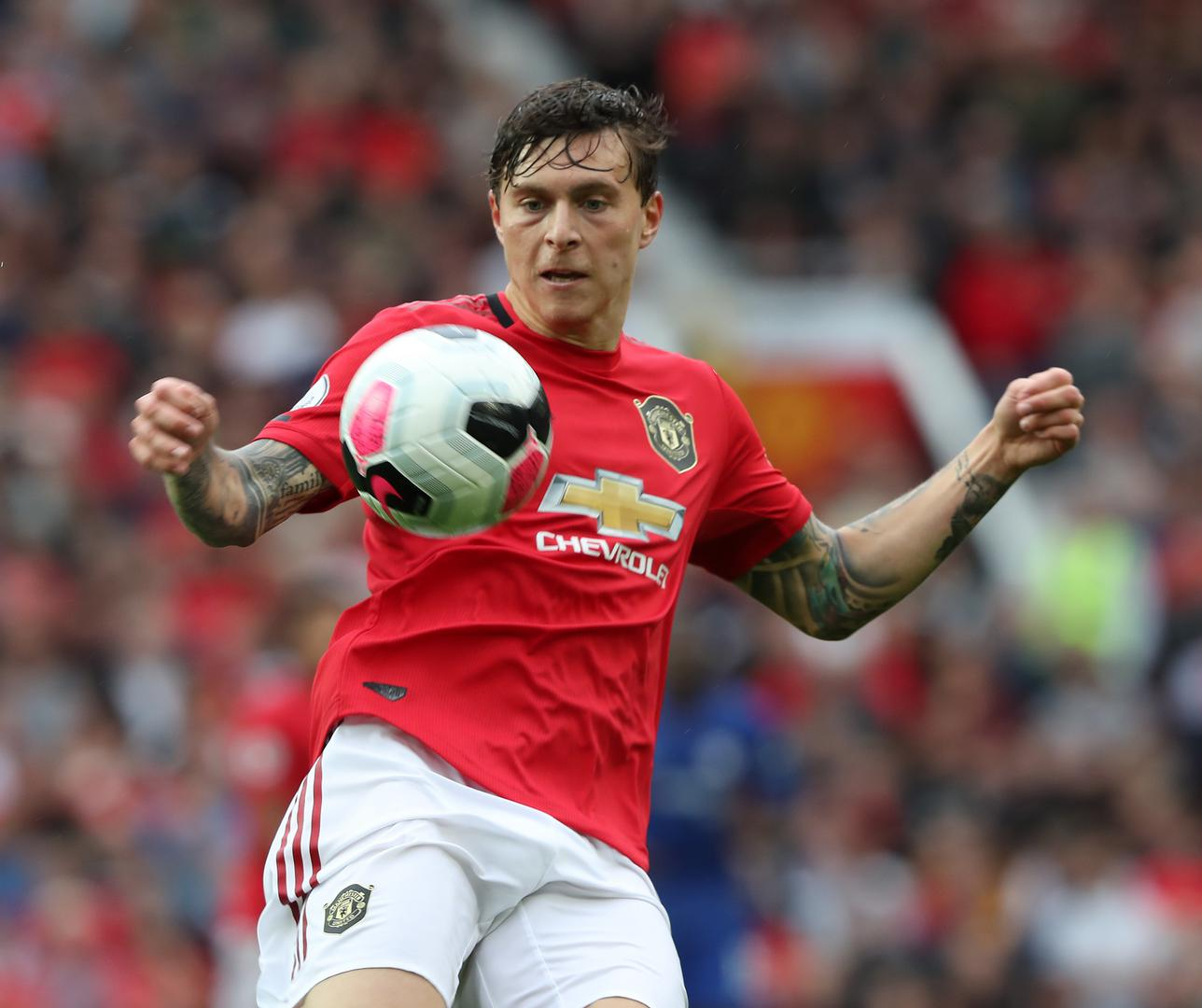 Victor Lindelof chests the ball down against Chelsea.