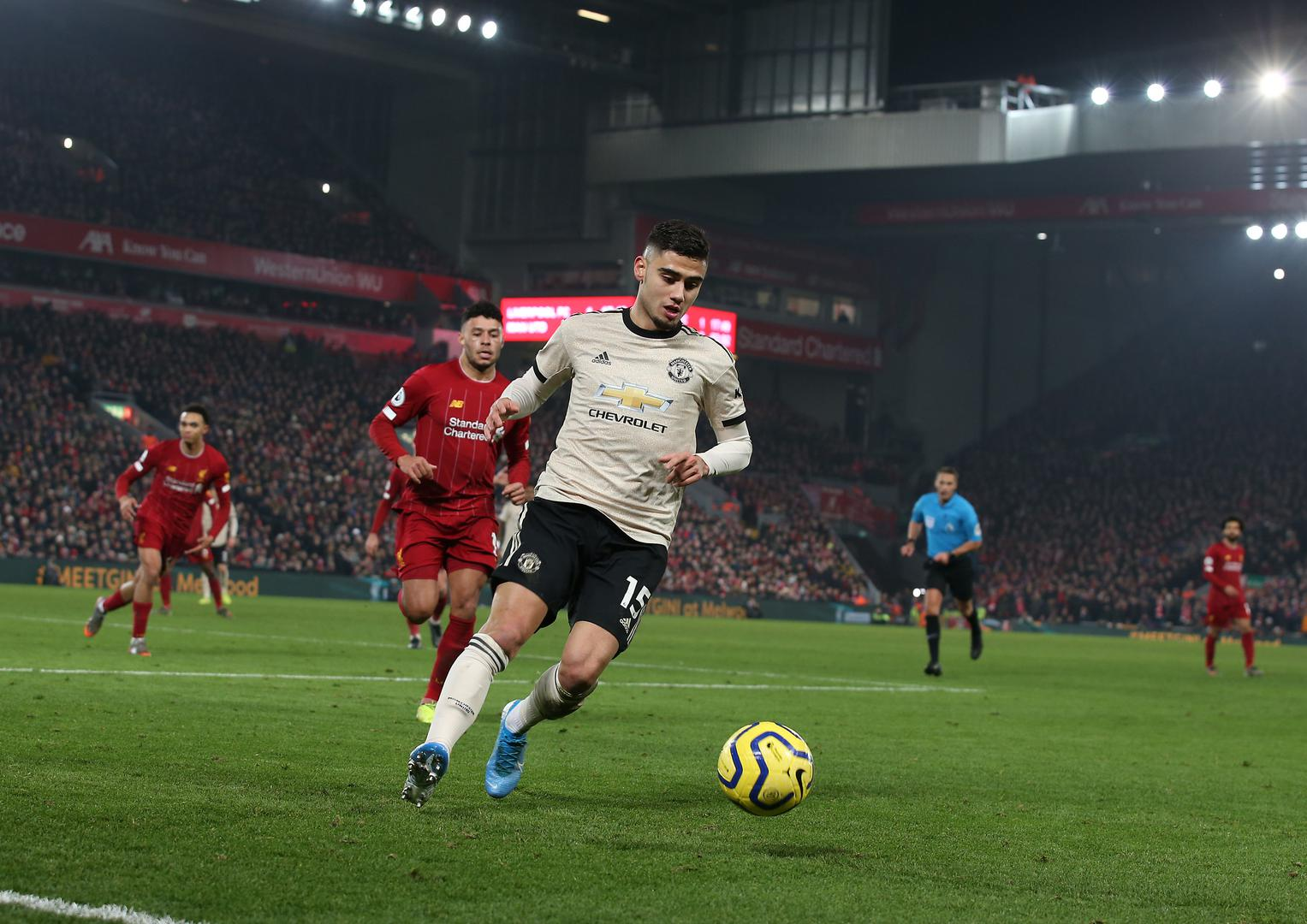 Andreas Pereira on the ball。。 for Manchester United against Liverpool..