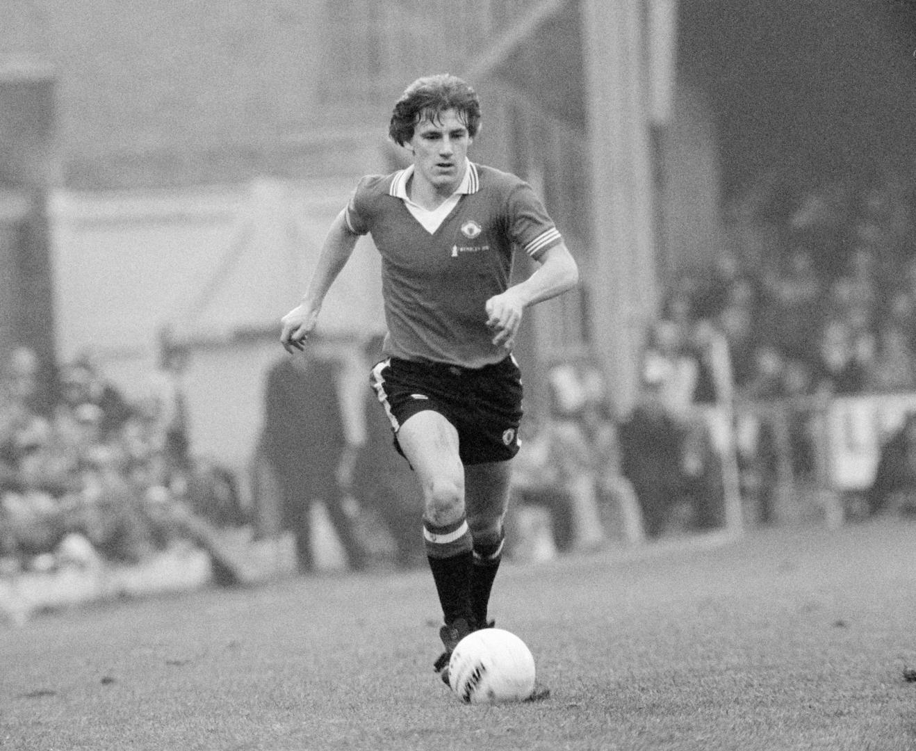 Steve Coppell in action.