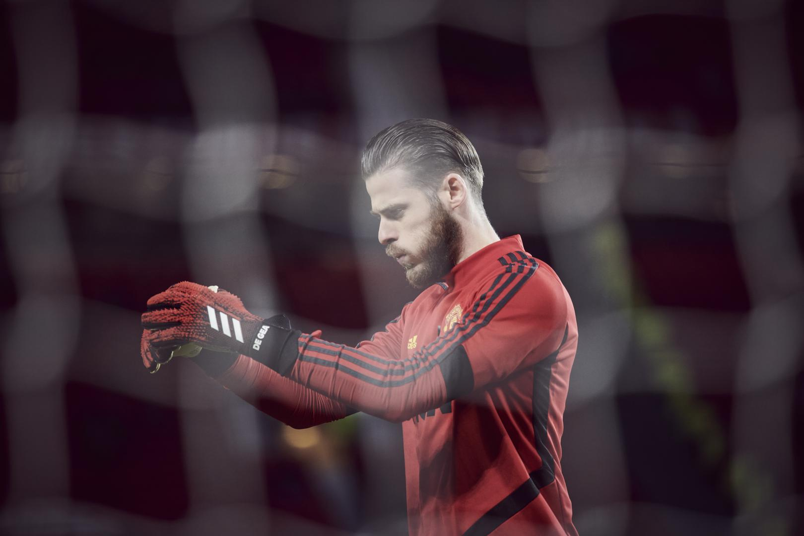 David De Gea warms up for a Manchester United game.