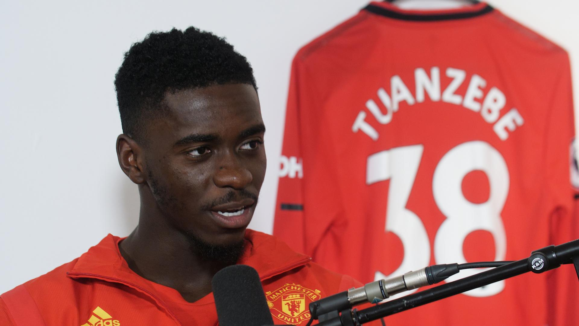 El defensor Axel Tuanzebe