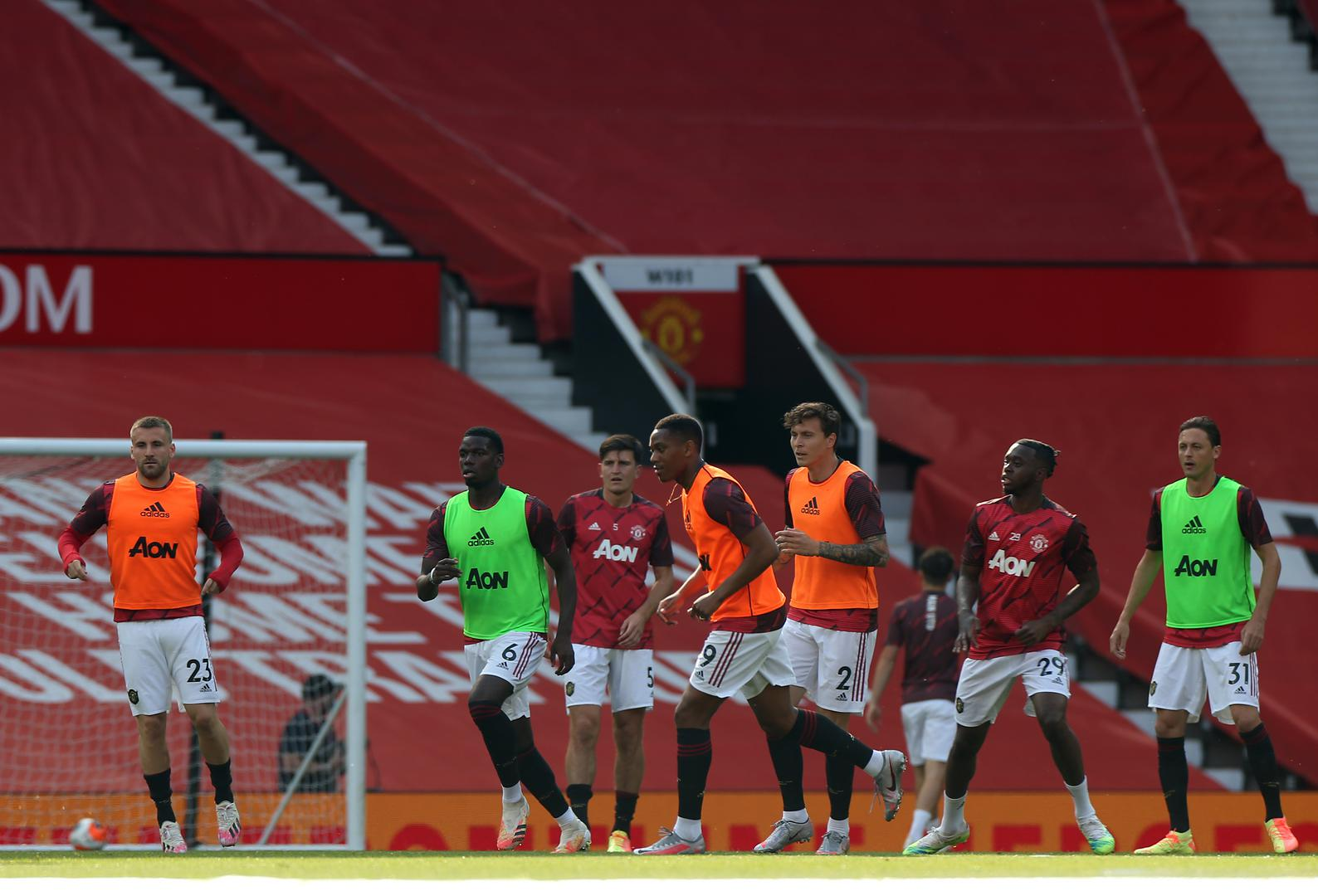 United warm up at Old Trafford.