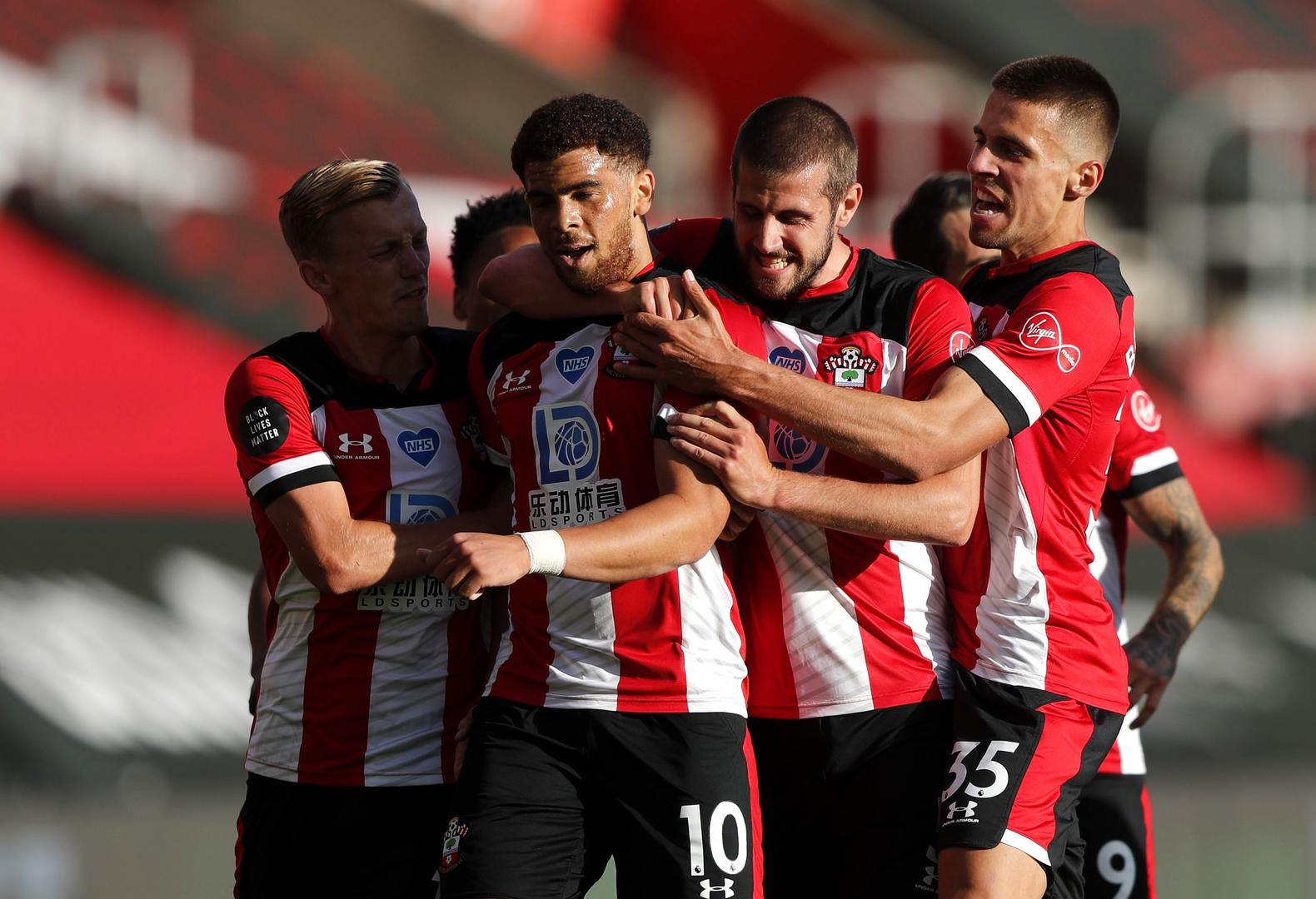 Southampton celebrate a goal against Manchester City