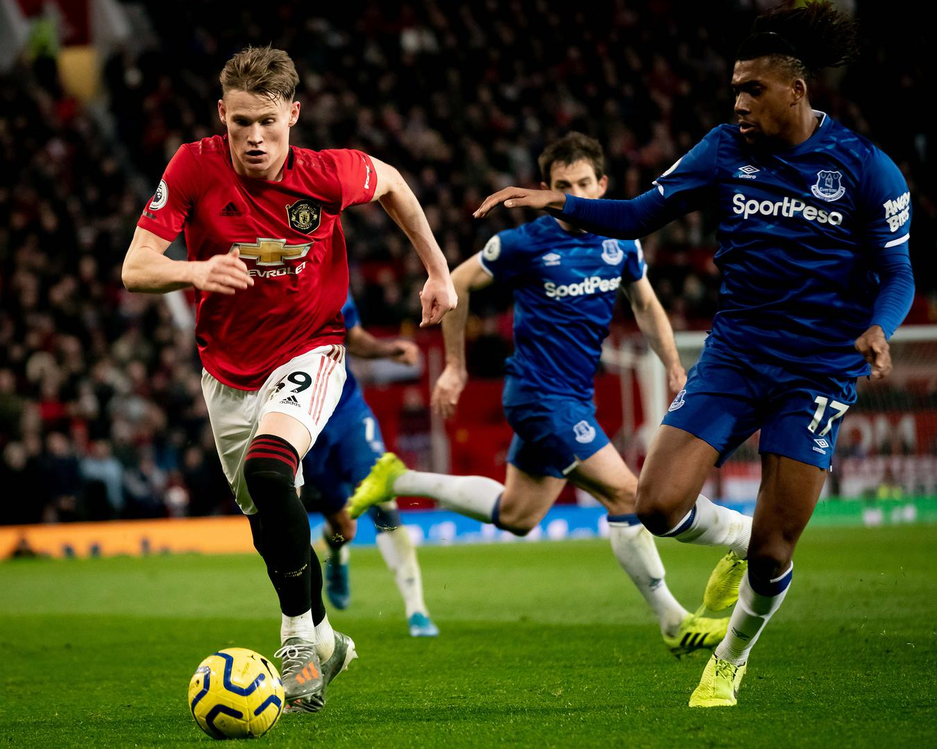 Scott McTominay on the ball against Everton at Old Trafford
