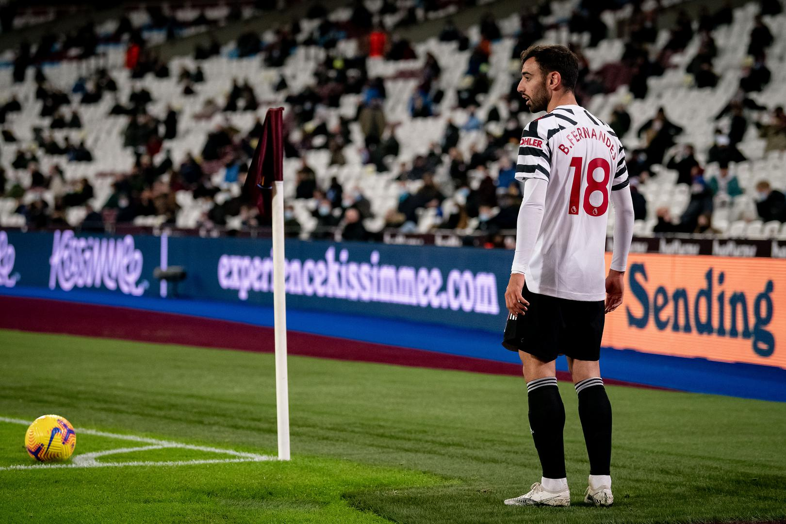 Bruno Fernandes taking a corner against West Ham.