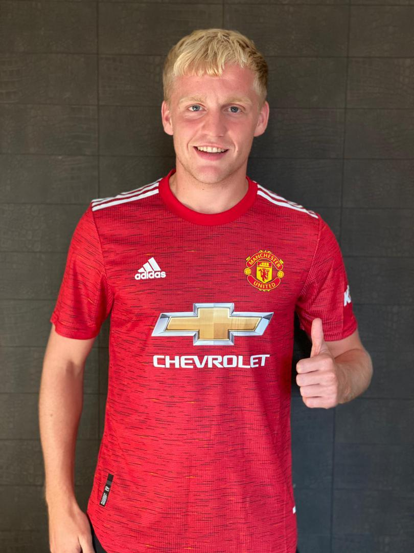 Donny van de Beek in the Manchester United home shirt for 2020/21.