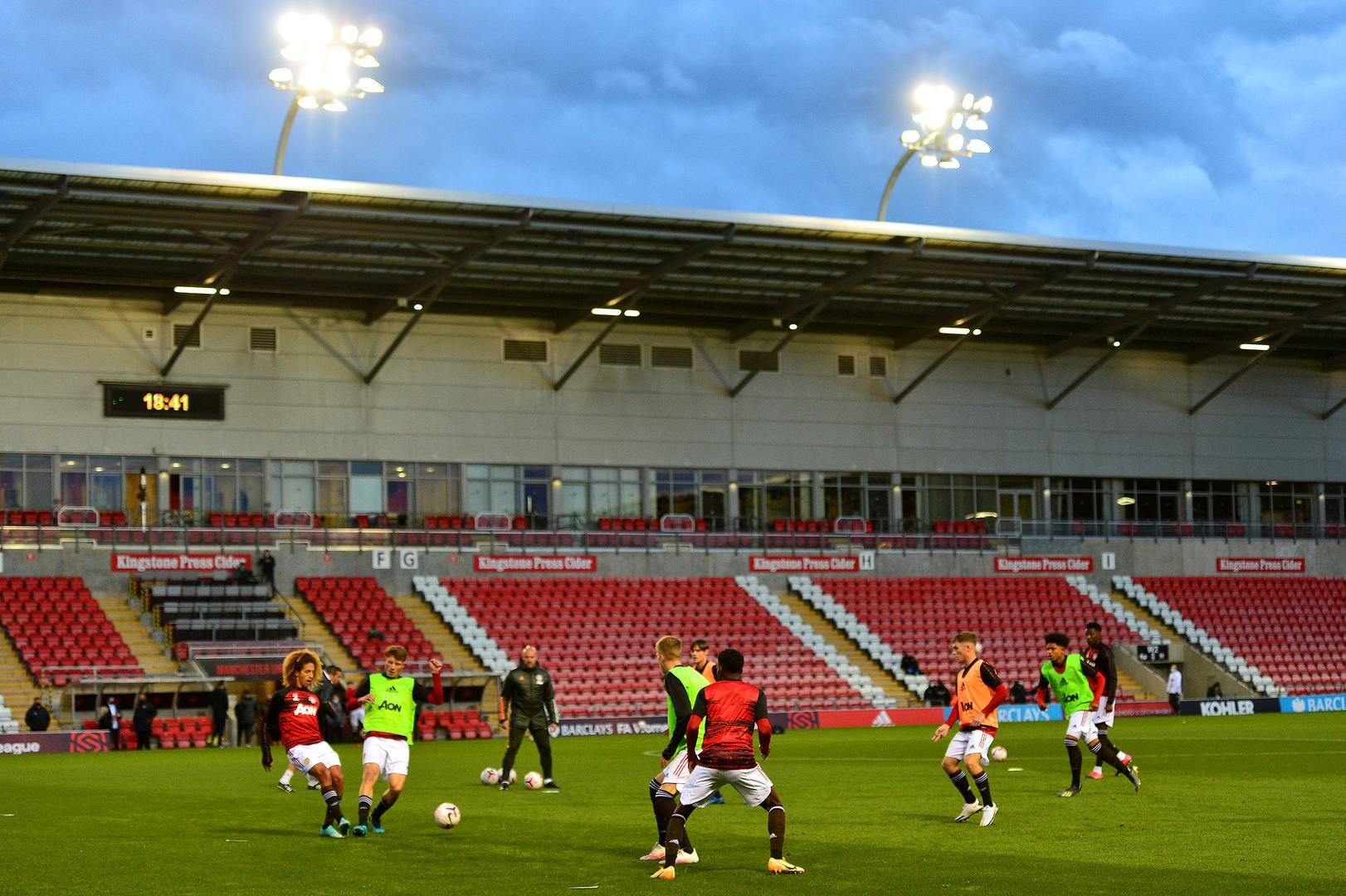 United warm up at Leigh.