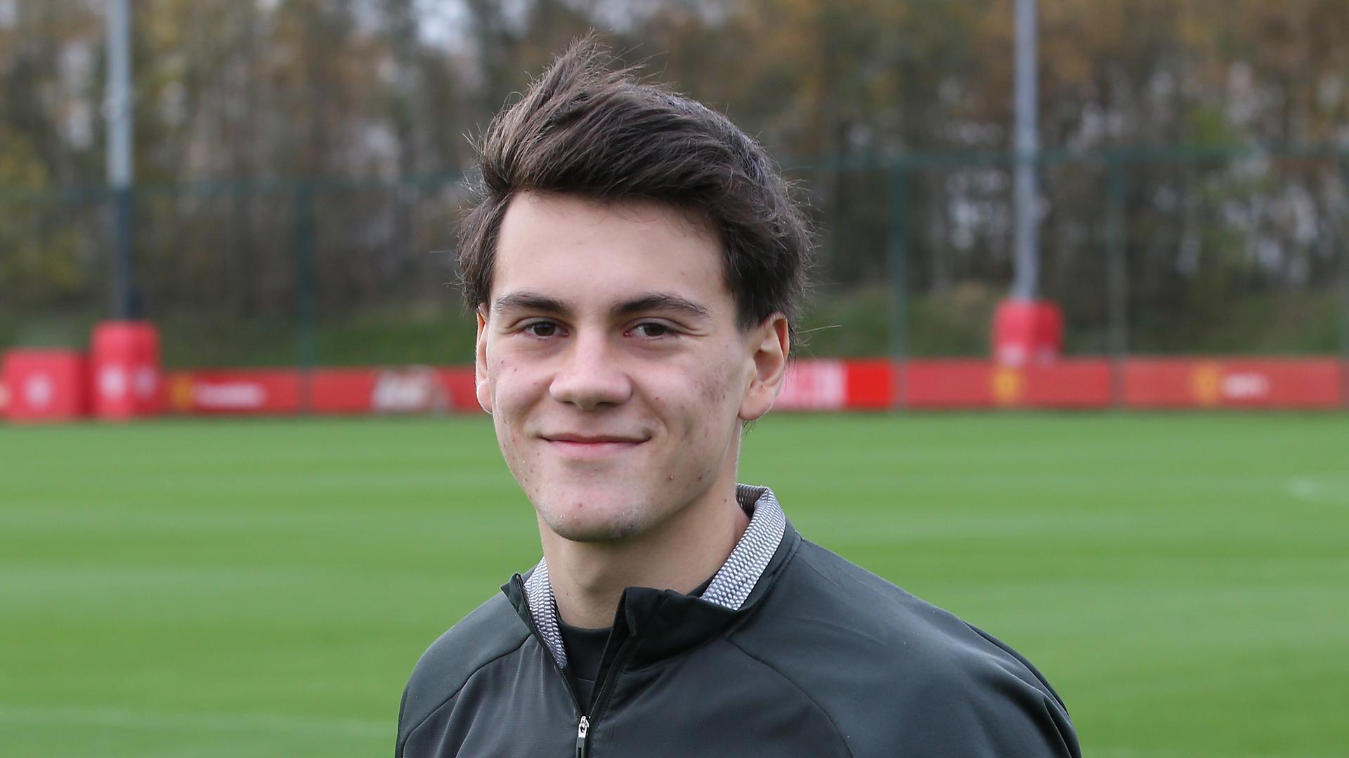 Under 23s preview Chelsea live on MUTV Facundo Pellistri v Petr Cech