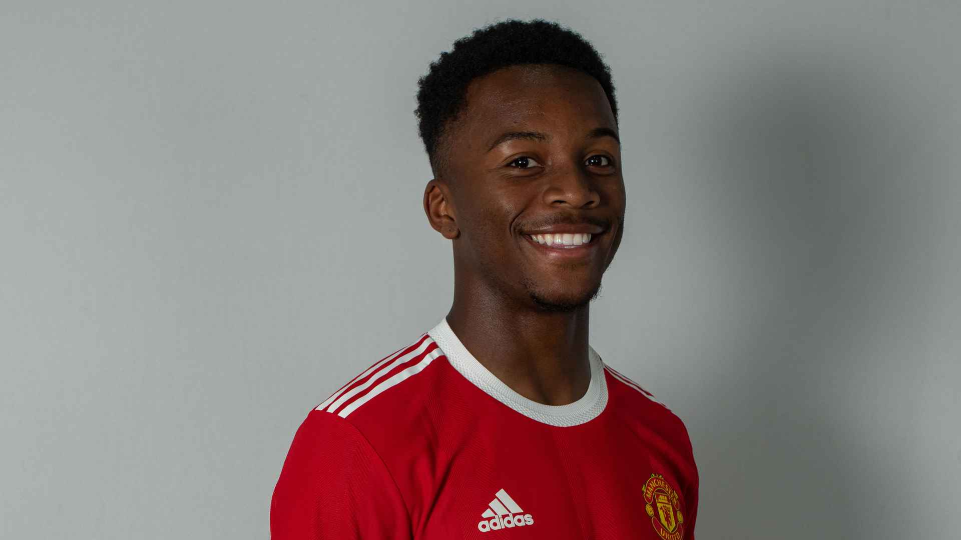 Loan Watch Man Utd youngster Ethan Laird shines for Swansea 18 October 2021