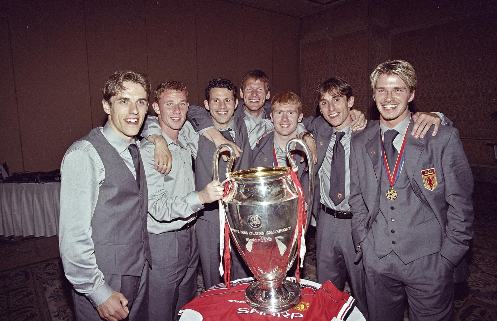 Teddy Sheringham and Manchester United team-mates.